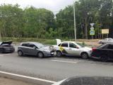 Четыре автомобиля столкнулись на Демократической в Самаре